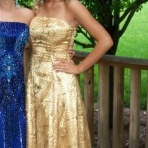 ✨Gold Strapless Sequined Prom Dress✨